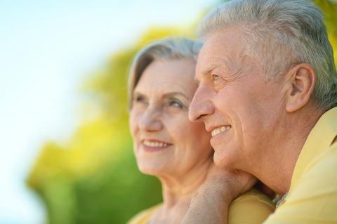 「elderly couple」的圖片搜尋結果